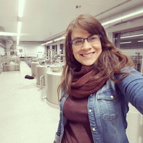 Emily Vegas, nueva profesora en Control de Calidad en Microcervecería